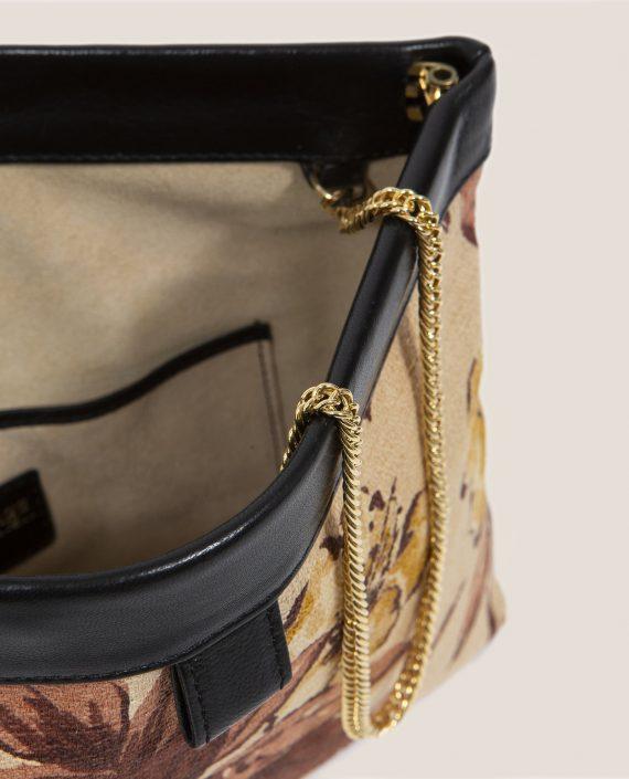 Clutch de Petty Things con piel color negro con tela vintage barkcloth Alana-detalle abierto