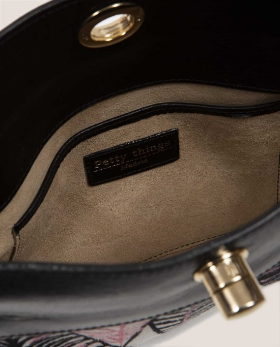 Detail interior hand bag in vegetable-dyed leather, Chloe black (ref # CPN-08) by Petty Things