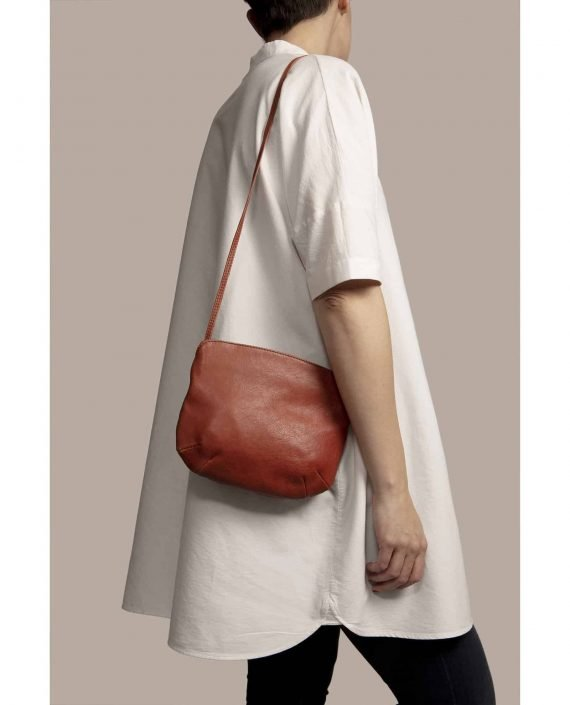 Cross Body Bag, Debbie Red (ref #DPR-30) Petty Things - model