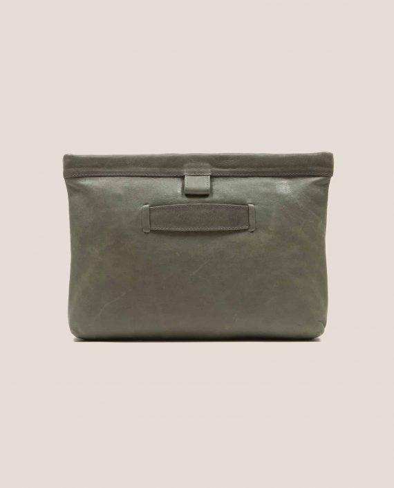 Parte atrás bolso de cuero salvia (verde oscuro) modelo Marlen (ref # MPS-40) de Petty Things