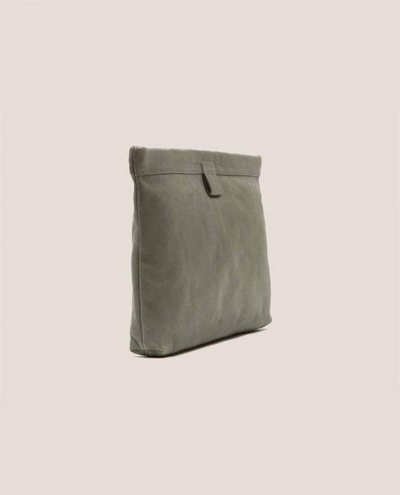 Vista lateral de bolso de mano de cuero, modelo Marlen (ref # MPS-40) de Petty Things