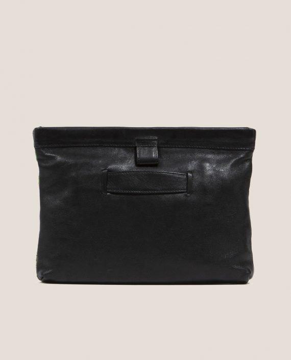 Clutch de Petty Things con piel color negro con tela vintage barkcloth dry brush-trasera