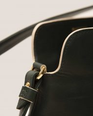 VIVIAN-chloe-lady-bag-leather-black-Petty-Things-side-detail