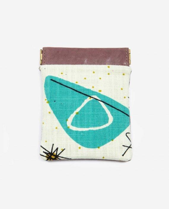 Monedero pequeño abstracto COSMIC de tela reciclada y piel vegetal - Petty things