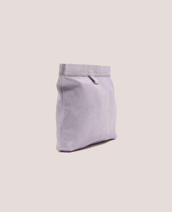 Vista lateral de bolso de mano de cuero, modelo Marlen (ref # MPL-26) de Petty Things