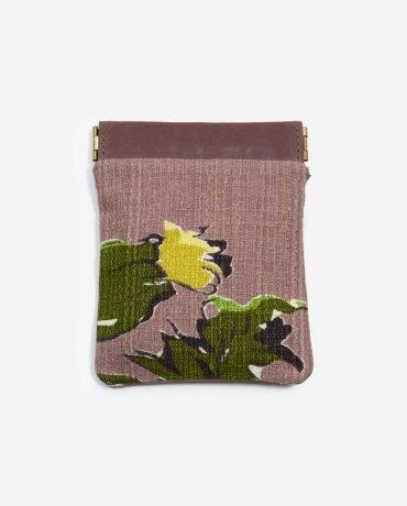 Monedero pequeño rosa de tela reciclada y piel vegetal