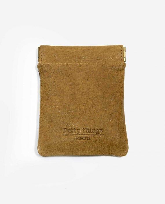 porta monedas pequeño de tela reusada y piel vegetal-ROPES-trasera-pettythings