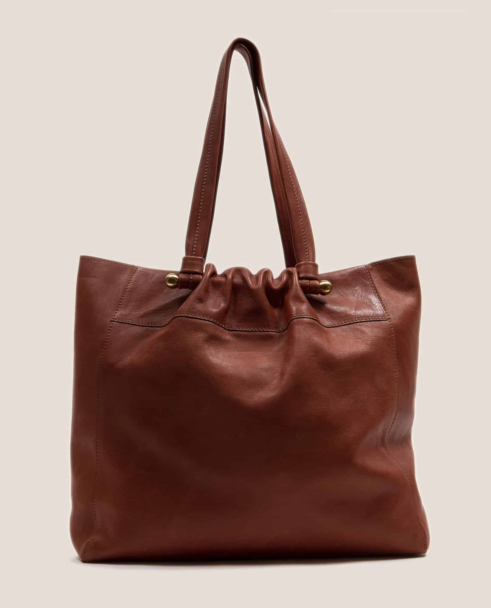 Tote bag in orange-red vegetable-dyed leather by Petty Things