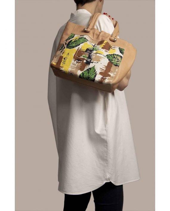 Bolso grande colgando de modelo, hecho en cuero teñido vegetal color rosa pálido y ella vintage barkcloth Peter de Petty Things