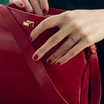 Chloe bolso mano en cuero rojo con tinte vegetal, Petty Things